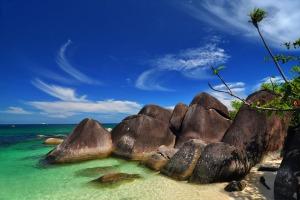Pantai-Tanjung-Tinggi 10