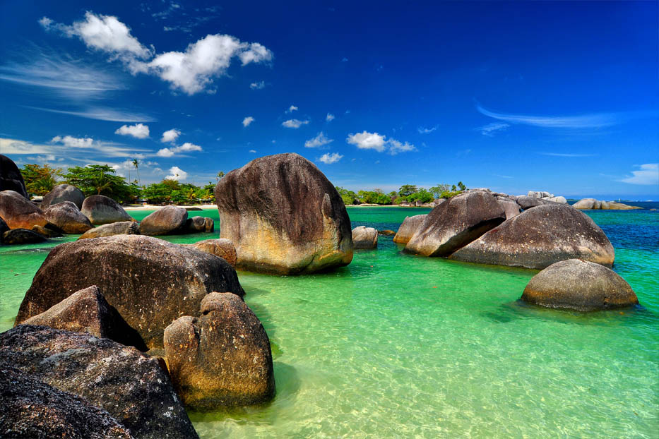 Tanjung Indonesia  city photos : Its unique landscape, decorated with pearly white sand beaches ...