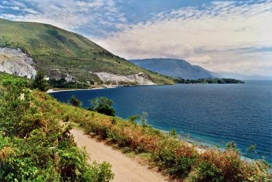 Toba Lake3